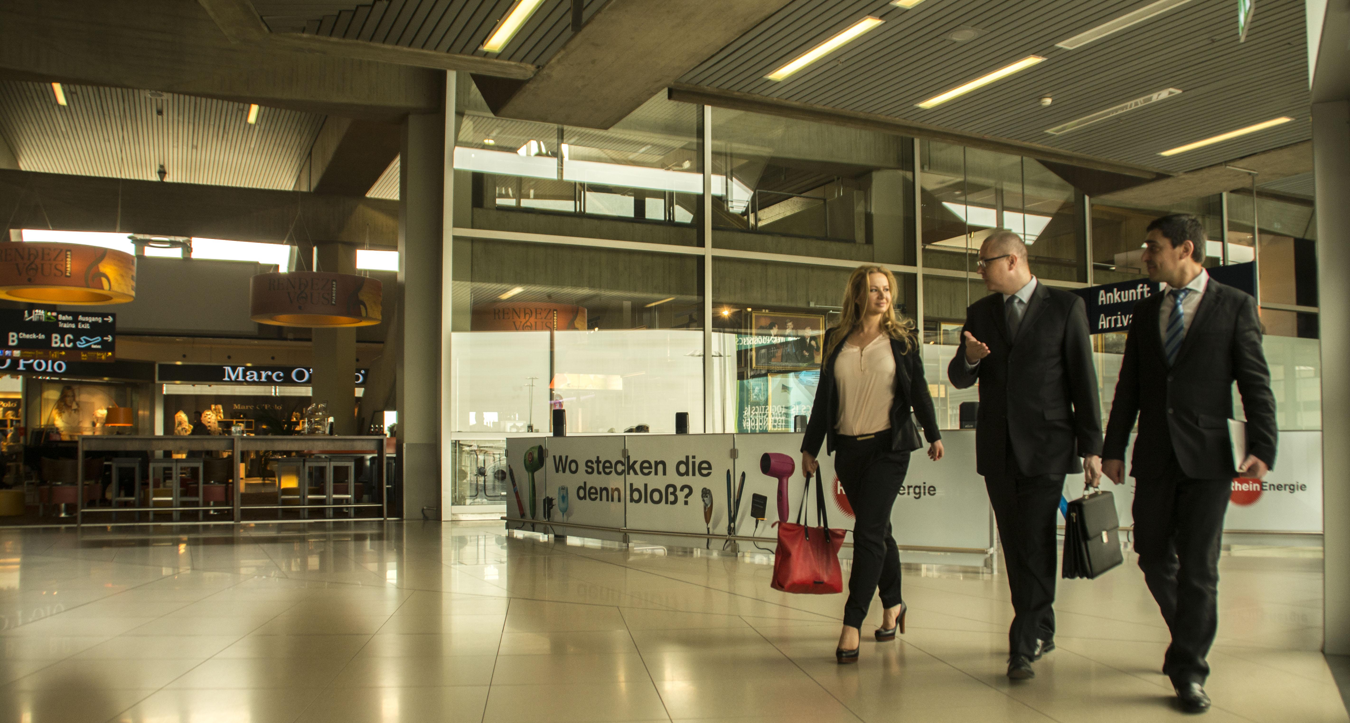 Flughafentransfer Köln - Gast